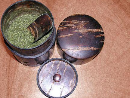 Il tè verde è una bevanda che aiuta a curare molte malattie e ad aumentare il benessere.